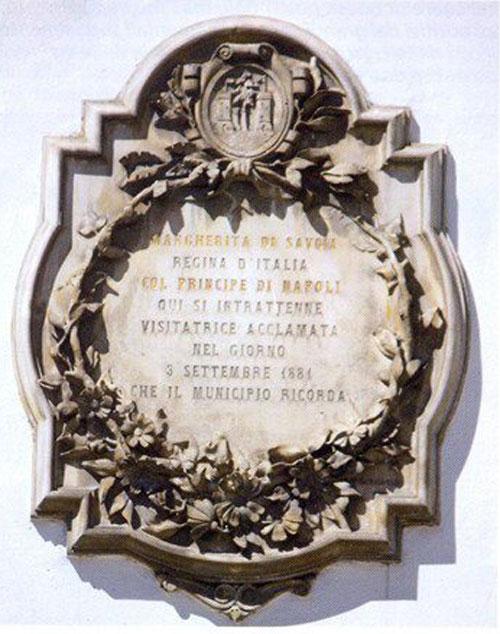 Lapide commemorativa per la visita della Regina Margherita di Savoia a Santo Stefano di Cadore